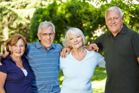 6 ways to make new friends in senior living